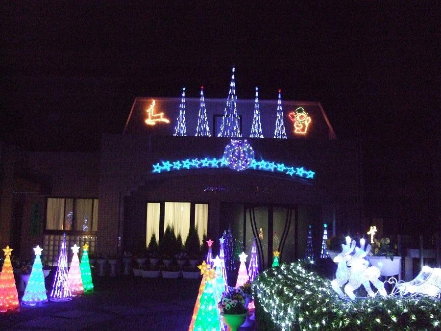 クリスマスのイルミネーションは毎年工夫を凝らします