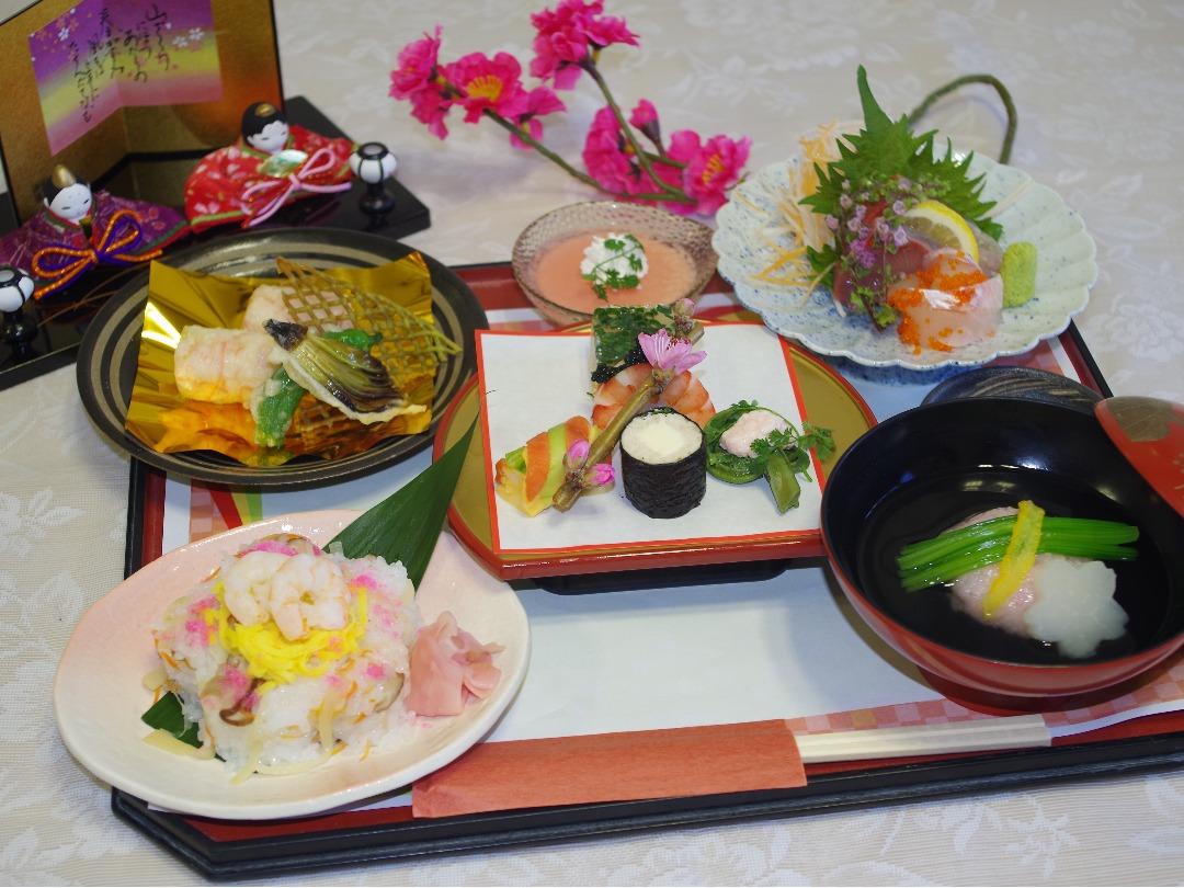 月に一度の特別食。ひな祭りにはちらし寿司
