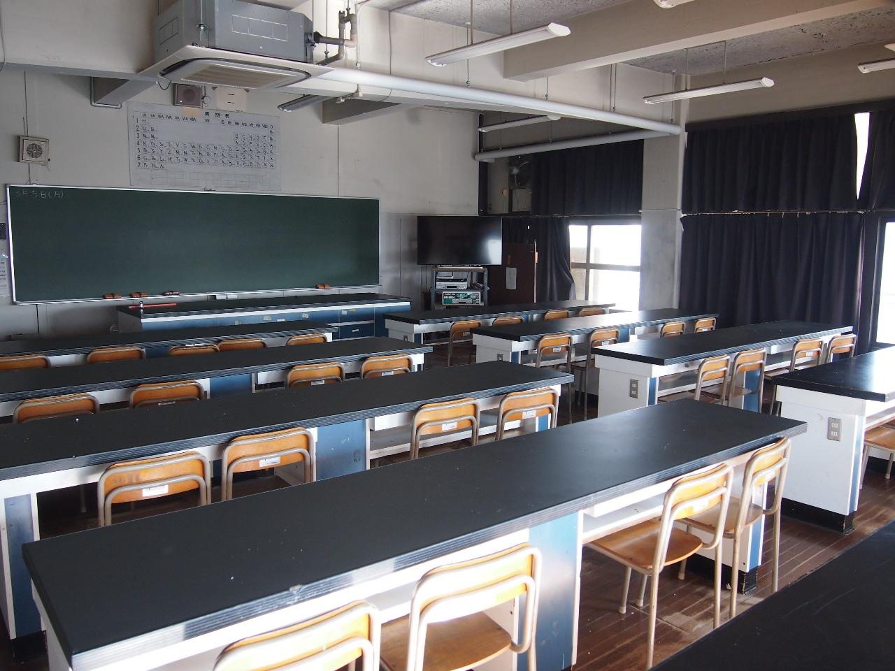理科室A・C