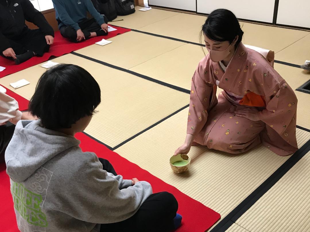 日本の伝統文化に触れる 〜茶道体験〜