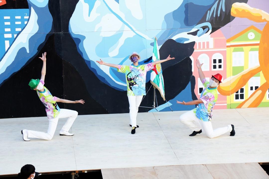 サンバ部創立以来の念願の初演。全力で楽しく踊りました。